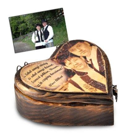 Szív alakú fényképes ajándékdoboz